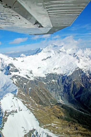 A scenic flight around Mount Aspiring